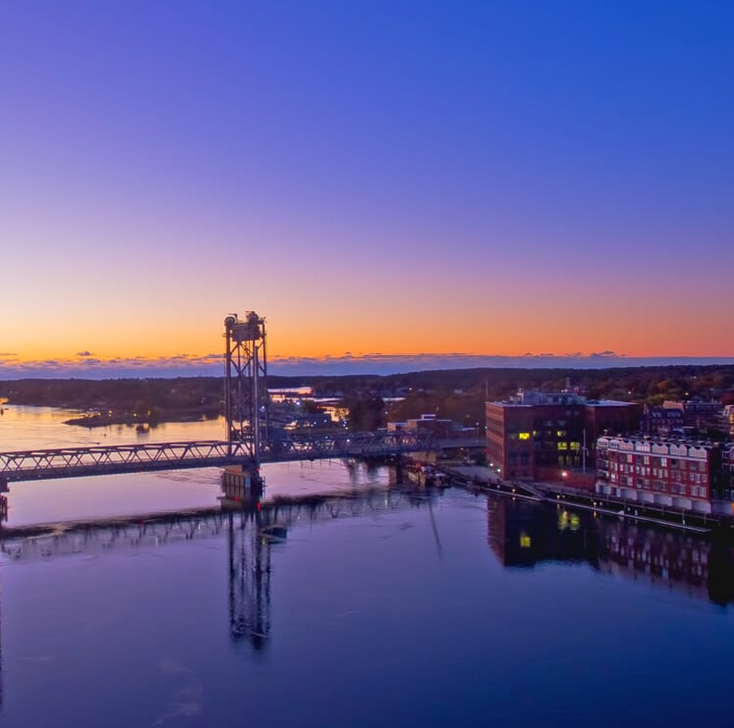 1-andercat-projects-nearview-lifestyle-image-memorial-bridge-portsmouth-nh-right-side