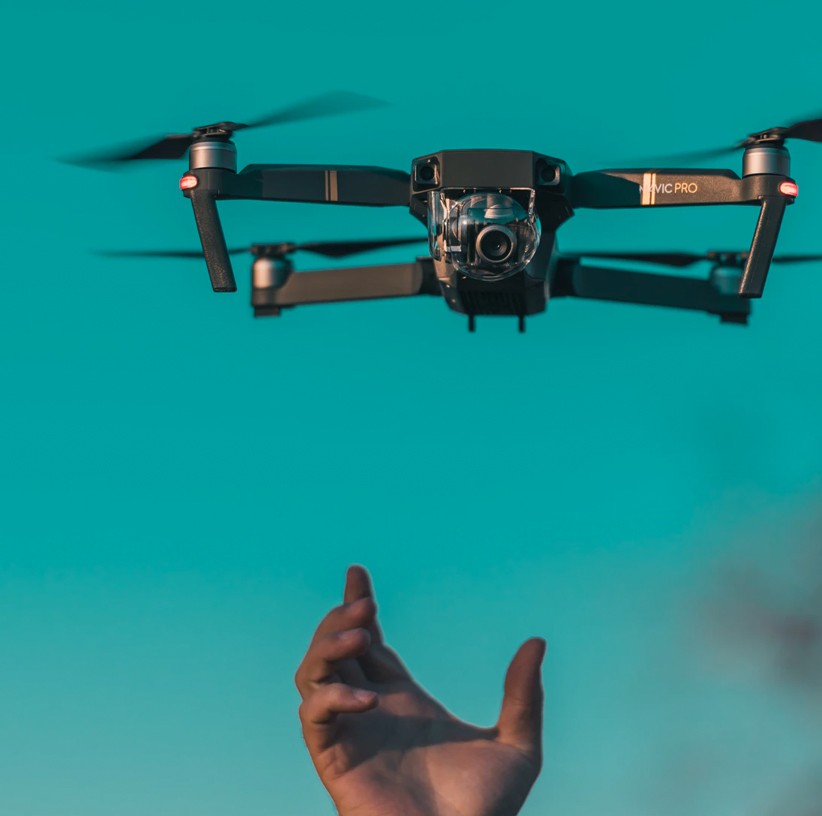4-andercat-projects-nearview-lifestyle-image-drone-flight-left-side